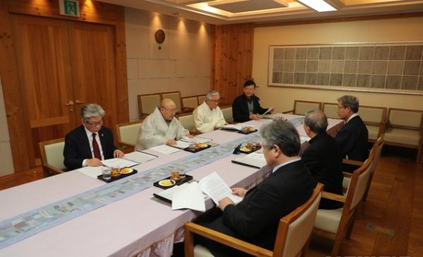 한국종교인평화회의(KCRP)가 25일 서울 종로구 한국불교역사문화기념관에서 KCRP 수장단 회의를 열어 '코로나 19 감염증 확산에 따른 종교 지도자 메시지'를 발표했다. ⓒ KCRP
