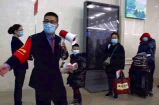 우한역의 시민들 모습. ⓒ 뉴시스