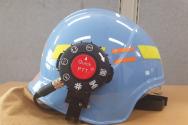 소방헬멧 무선송수신장치 장착