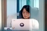 윤미향 더불어민주당 의원이 1일 오전 서울 여의도 국회의사당 의원실에 출근해 업무를 보고 있다. ⓒ 뉴시스
