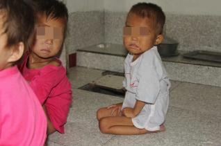 북한 아동의 모습
