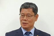 김연철 통일부 장관이 17일 오후 서울 종로구 정부서울청사 기자실에서 사의 표명과 관련해 발언하고 있다.