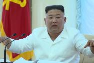 김정은 북한 국무위원장이 지난 7일 평양에서 북한 노동당 중앙위원회 제7기 제13차 정치국 회의를 주재했다고 8일 조선중앙TV가 보도하고 있다.