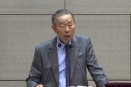 박영선 목사가 5일 주일설교를 전하고 있다.