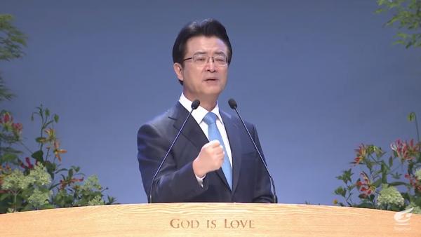 오정현 목사가 5일 주일설교를 전하고 있다.