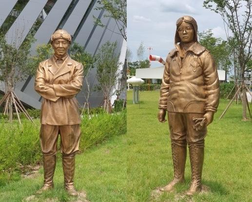 안창남, 권기옥 동상