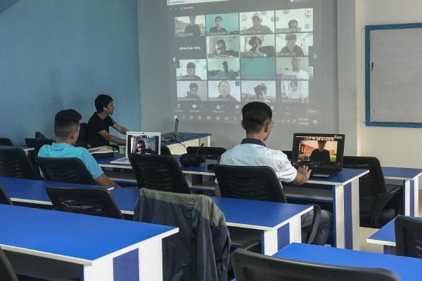 네팔 Design Sprint 팀 활동 모습.