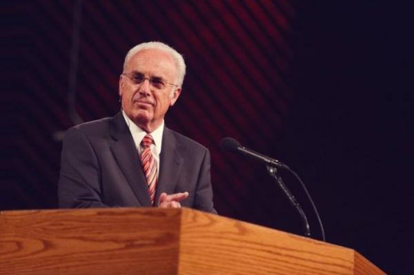 존 맥아더 목사