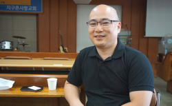 지구촌사랑교회 담임 최혁(46) 목사.