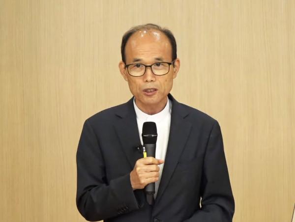 유해룡 목사