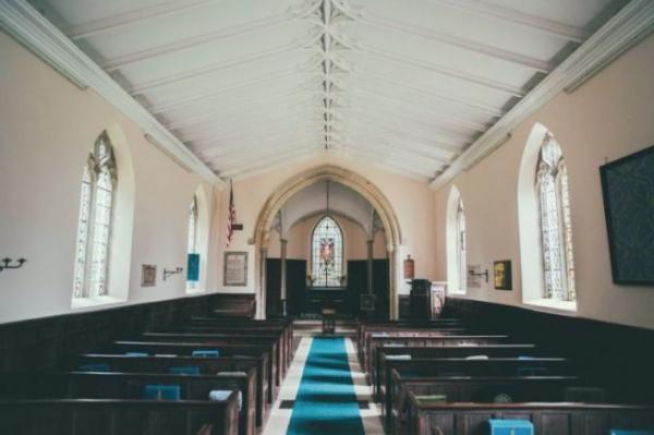 미국 교회의 한 예배당.