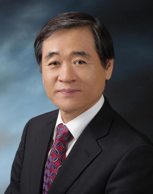이광섭 총장