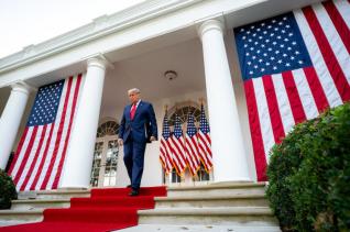 백악관 트럼프 대통령