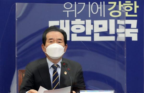 정세균 국무총리가 27일 오후 서울 여의도 국회에서 열린 고위 당·정·청협의회에서 발언을 하고 있다.