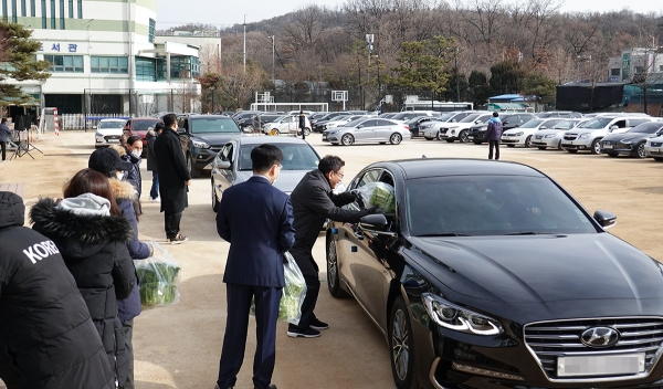 서울씨티교회 드라이브인 신년감사예배