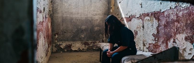 감옥에서 기도하고 있는 북한 성도