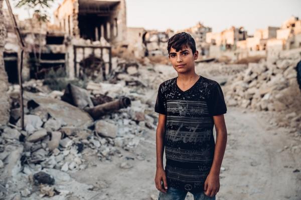 폐허가 된 마을로 돌아온 시리아 성도