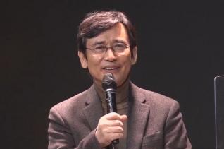 15일 오후 노무현재단 유튜브채널 '이사장들의 특별대담'에서 유시민 노무현재단 이사장이 인사말 하고 있다.