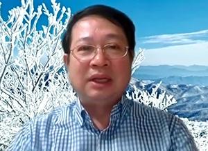 박철 좋은경영연구소 소장이 인사를 전하고 있다.