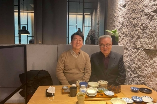 서울시장 보궐선거 예비후보인 안철수 국민의당 대표는 최근 전 새누리당 비상대책위원장이었던 인명진 목사를 만났다고 밝혔다. ⓒ국민의당