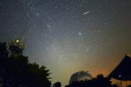 밤하늘 우주쇼…'페르세우스 유성우'
