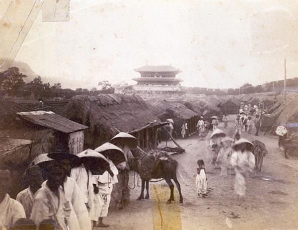1890년대 동대문 밖 거리