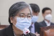 정은경 질병관리청장이 17일 오전 서울 여의도 국회에서 열린 보건복지위원회 전체회의에서 질의에 답변하고 있다. ⓒ뉴시스