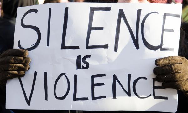 단순히 학교폭력 가해자들로 지목된 연예인들과 운동선수들을 비판하는 것이 아니라 학교폭력에 대한 전 국민의 근본적인 시선이 바뀌었으면 좋겠다(본문 중).