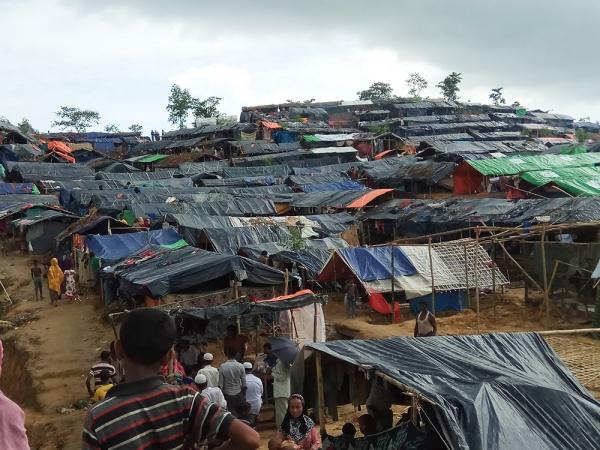 지난 22일 화재가 발생하기 전의 방글라데시 내 미얀마 로힝야족 난민촌.