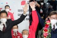 각각 서울시장과 부산시장에 당선된 오세훈 후보(왼쪽), 박형준 후보.