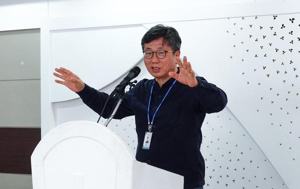 KWMA 사무총장 강대흥 목사가 발언하고 있다.