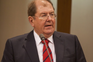 미하엘 벨커 교수