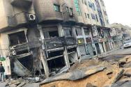 16일(현지시간) 팔레스타인 가자 지구의 한 마을. 지난 새벽 이스라엘 공습으로 집들이 파괴 됐다. 이슬람 무장단체 하마스의  이스라엘을 향한 공격으로 시작된 이번 갈등은 상호 로켓포 공격과 공습을 주고 받으며 사상자가 증가했다