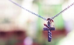 안 믿는 남편 놓고 기도하는 크리스천 아내는 영적 용사다.