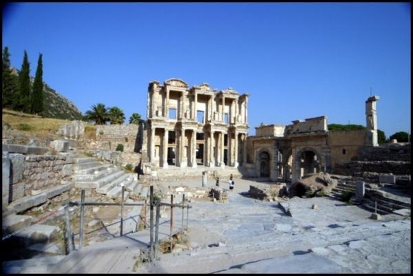 셀수스 도서관(두란노 서원)