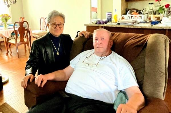 고세진 박사와 미군 전쟁영웅이 함께 찍은 사진