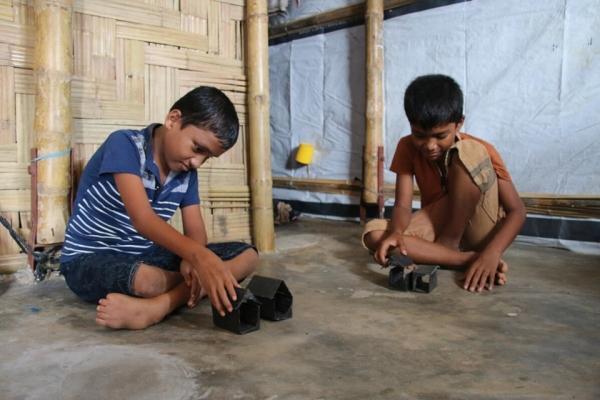 콕스바자르 난민캠프에 거주하는 반나(가명, 11세)의 가족은 지난 4월 화재와 지난 달 홍수로 집을 두 번 잃었다