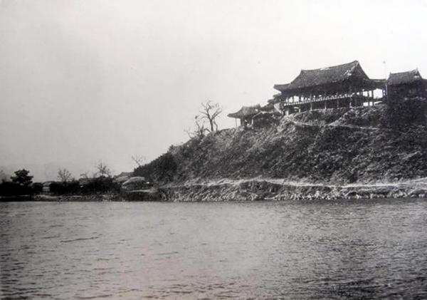 1911년 밀양 영남루의 옛 모습