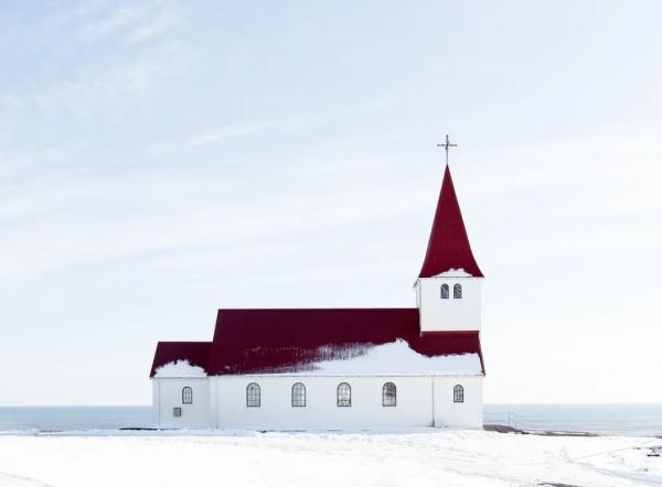 사진 속 교회는 본문에 등장하는 교회 특징과 무관함