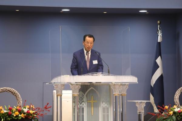 군선교연합회 이사장이자 군종교구장인 김삼환 목사가 인사말을 전하고 있다.