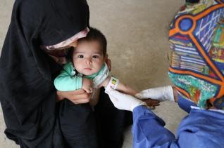 세이브더칠드런이 아프가니스탄 발크 지역에서 운영하는 이동식 보건소